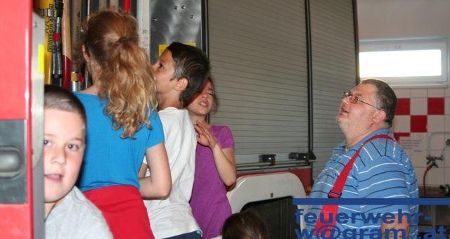 Besuch der Volksschule Wagram