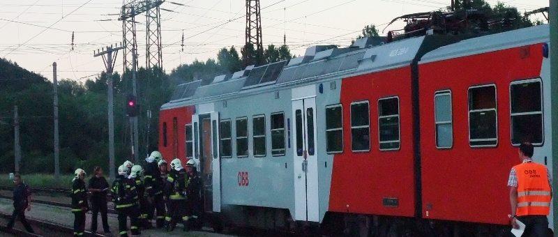 Brand eines Triebwagens im Bahnhof Viehofen