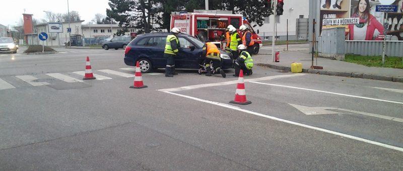 Verkehrsunfall bei der Eni Tankstelle