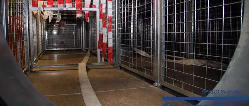 Zwei Wagramerinnen bestehen Modul Atemschutzgeräteträger
