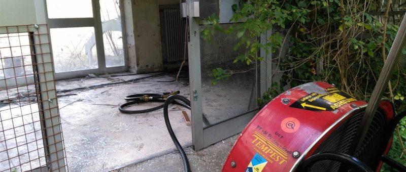 Brand in leerstehendem Gebäude im Stadtgebiet