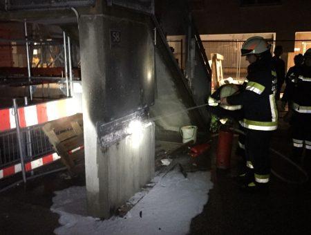 Brand einer Außenleuchte in Wohnhausanlage – Anrainer reagierten vorbildlich
