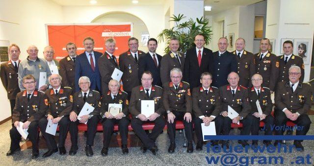 Dank und Ehrung fÜr langjährige Feuerwehrkameraden