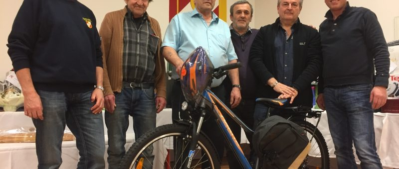 Werner Lipold gewinnt Jux-Preisschnapsen der FF St. Pölten-Wagram