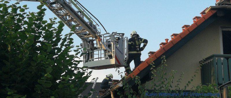 Brand in Einfamilienhaus – Feuerwehren schnell zur Hilfe