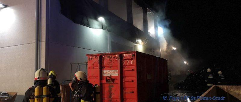 Schadstoffberatungsdienst im Einsatz bei Großbrand in Inning (ME)