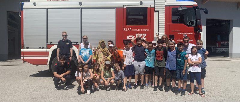 Neue Mittelschule Pottenbrunn zu Besuch im Wagramer Feuerwehrhaus