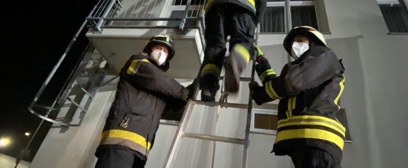 Übungsbetrieb wieder gestartet – Arbeiten mit Leitern