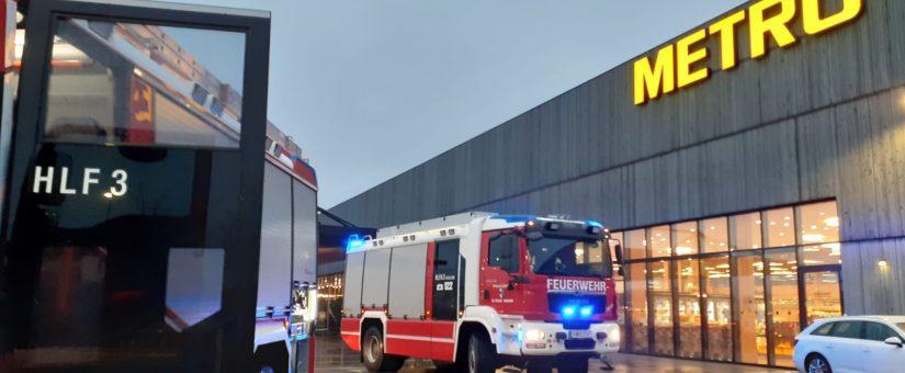 Unruhige Adventzeit: Austritt von Kältemittel bei St. Pöltner Großmarkt